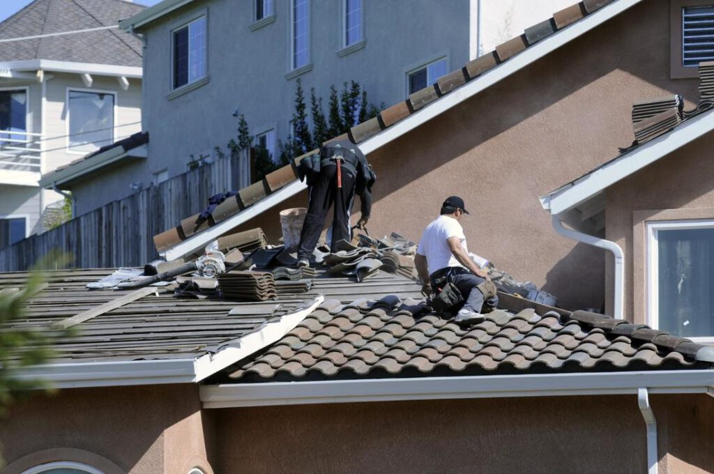 leaguecity-roofing-experts-residential-and-commercial-1-orig_orig (1)